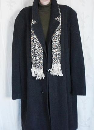 Отличное мужское пальто шерсть, утеплённое, италия 56-58 р