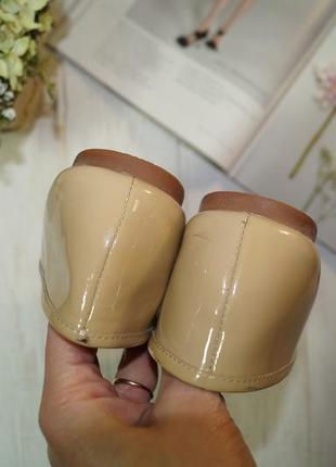 Moda in pelle. комфортные кожаные туфли на низком ходу в нюдовом оттенке2