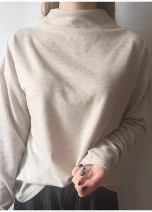 Шикарный свитер от качественного бренда