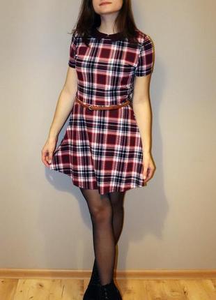 Стильное молодёжное платье с кожаным поясом