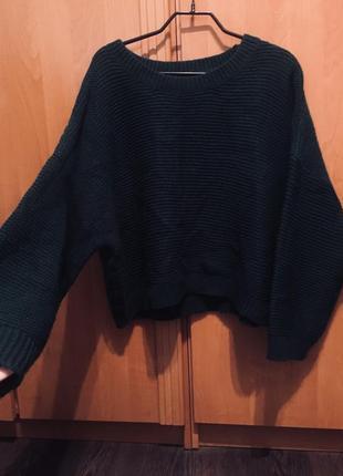 Зелёная объемная кофта свитер с объемными рукавами