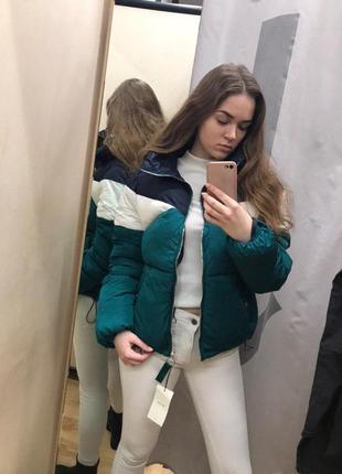 Очень теплая цветная куртка bershka