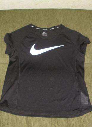 Фирменная спортивная футболка для фитнеса nike оригинал /р xl (англ 14-16)