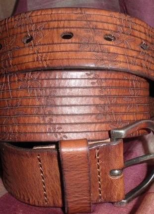 Красивый мягкий и удобный ремень marc cain стильный рельефный рисунок кожа 85см италия