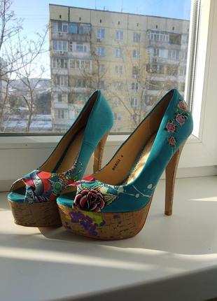 Туфли женские яркие bebo 37р!