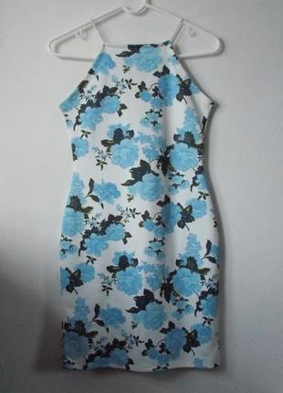 Белое платье в голубые цветы платье в цветочный принт