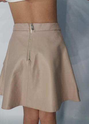 Мега крутая юбка  с плотной экокожи на девочку.