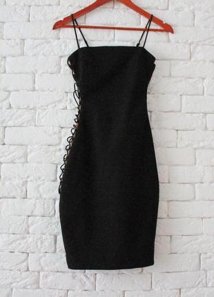 Божественно красивое платье по фигуре на шнуровке