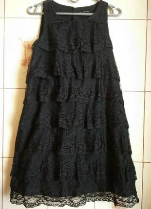 Стильное платье с кружевом 8р