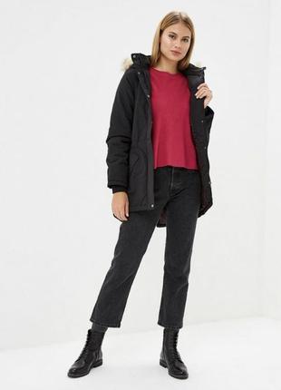 Трендовая куртка в горы черная утепленная/пуховик приталенный/парка с мехом only