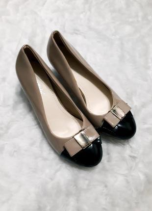 Итальянские туфли на невысоком каблуке