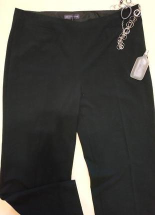Базовые черные брюки свободного фасона на полные ножки р.18