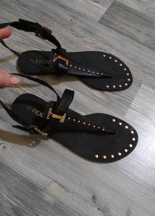 Стильные босоножки вьетнамки сандали