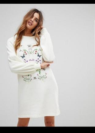 Платье с вышивкой vero moda!