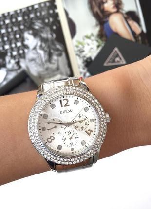 Шикарные часы guess!  новые, в коробке, оригинал!