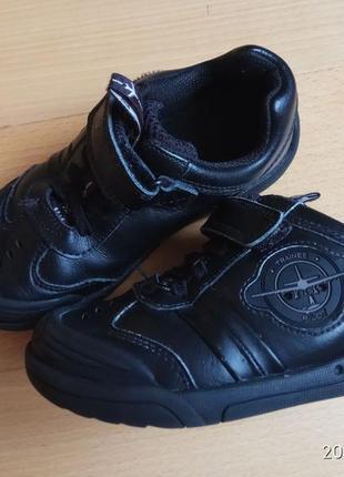 Якісні шкіряні туфлі-кросівки для хлопчика