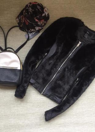 Шикарная куртка кожанка с мехом
