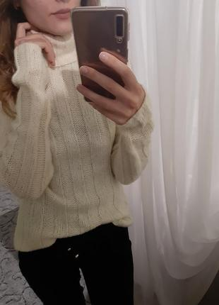 Крутой вязаный шерстяной свитер