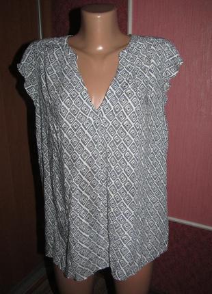 Блуза большой р-р 18 бренд charles voegele