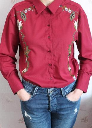 Нарядная блуза рубашка марсала с вышивкой