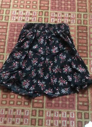Юбка в цветочек чёрного цвета от k. woman 36 размер