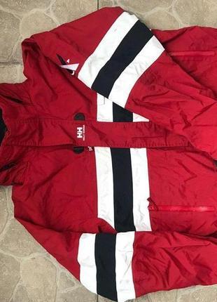 Крутая горнолыжная куртка ветровка helly hansen