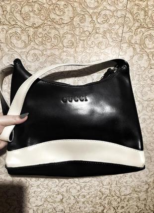 Небольшая стильная и неординарная сумка gucci оригинал