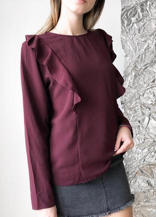Блуза бордовая с рюшами