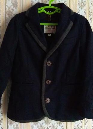 Теплый стильный пиджак 4-5лет