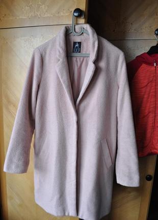 Пальто рожевого кольору, розмір м