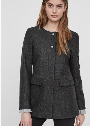 Пальто жакет без воротника стильный vero moda