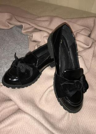 Чёрные классические лаковые лоферы, туфли с велюровым бантом river island, p.36