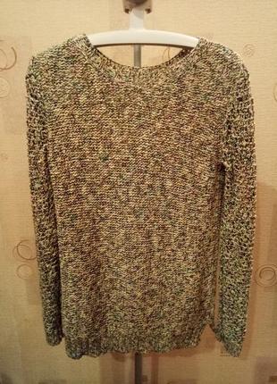 Женский вязаный серый свитер с цветными нитками