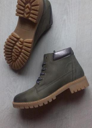 Шикарные демисезонные ботинки.