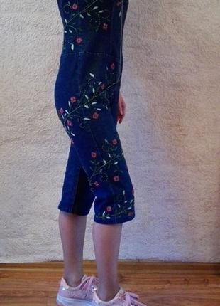 Джинсовый комбинезон с вышивкой лианы цветов стеклярус бисер