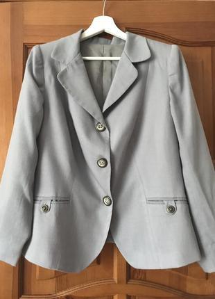Костюм шерстяной(пиджак,юбка),р.46