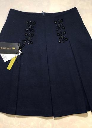 Актуальная юбка трапеция из шерсти от monton. размер s