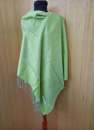 Сочно зелёный палантин / шарф / хиджаб тонкая шерсть