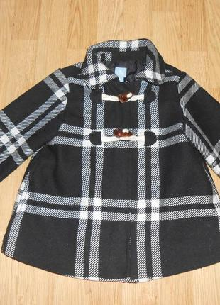 Пальто на девочку 4-5 лет