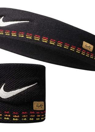 Оригинал спортивный набор nike ronaldinho повязка и напульсник.  цена за набор.