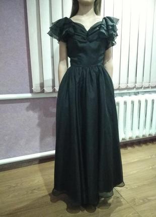 Вечернее бальное выпускное платье на худышку
