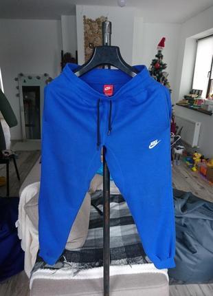 Сучасні спортивні штани nike утеплені