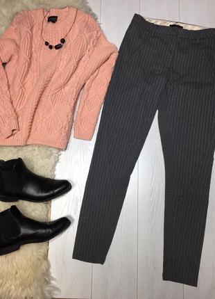 Шерстяные серые брюки в полоску