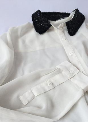 Блуза с вышитым воротничком