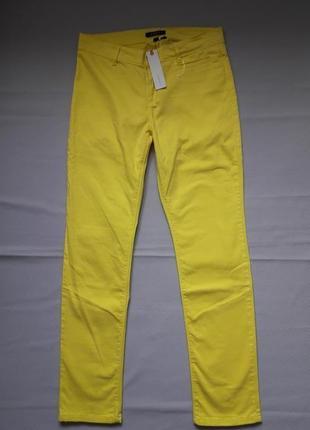 Яркие лимонные стрейчевые брюки джинсы esprit