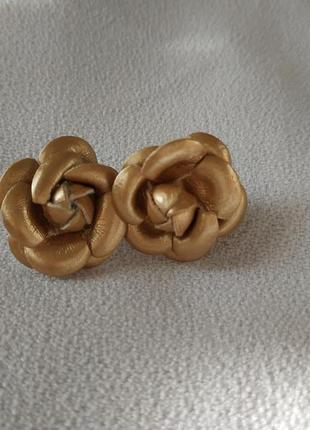 Сережки розочки золотистые