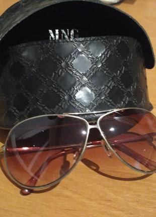 Солнцезащитные очки авиаторы mango