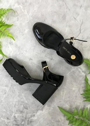 Лаковые туфли на устойчивом каблуке  sh1903065 river island
