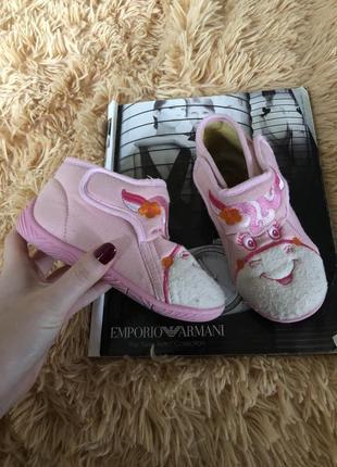 Нежно розовые тапочки для девочки 27 размер