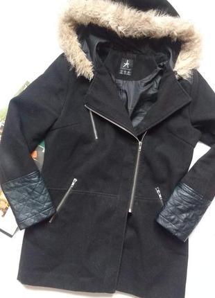 """Крутое пальто с капюшоном и кожаными вставками """"atmosphere"""""""